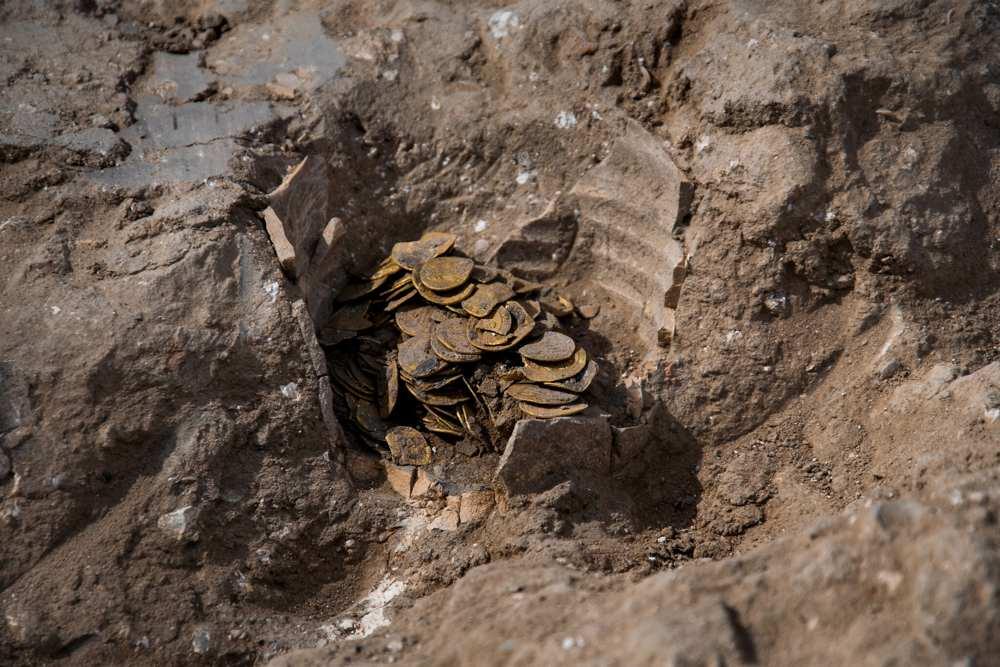 Alijo de monedas islámicas de oro de hace 1.100 años halladas en Israel