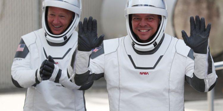 Astronautas de SpaceX vuelven a la Tierra para la última etapa de su histórico viaje