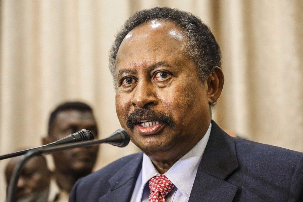 Primer ministro de Sudán rechaza lazos con Israel por el momento