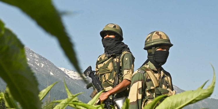 """China dice que se vio obligada a tomar """"contramedidas"""" contra la India en la tensa frontera"""
