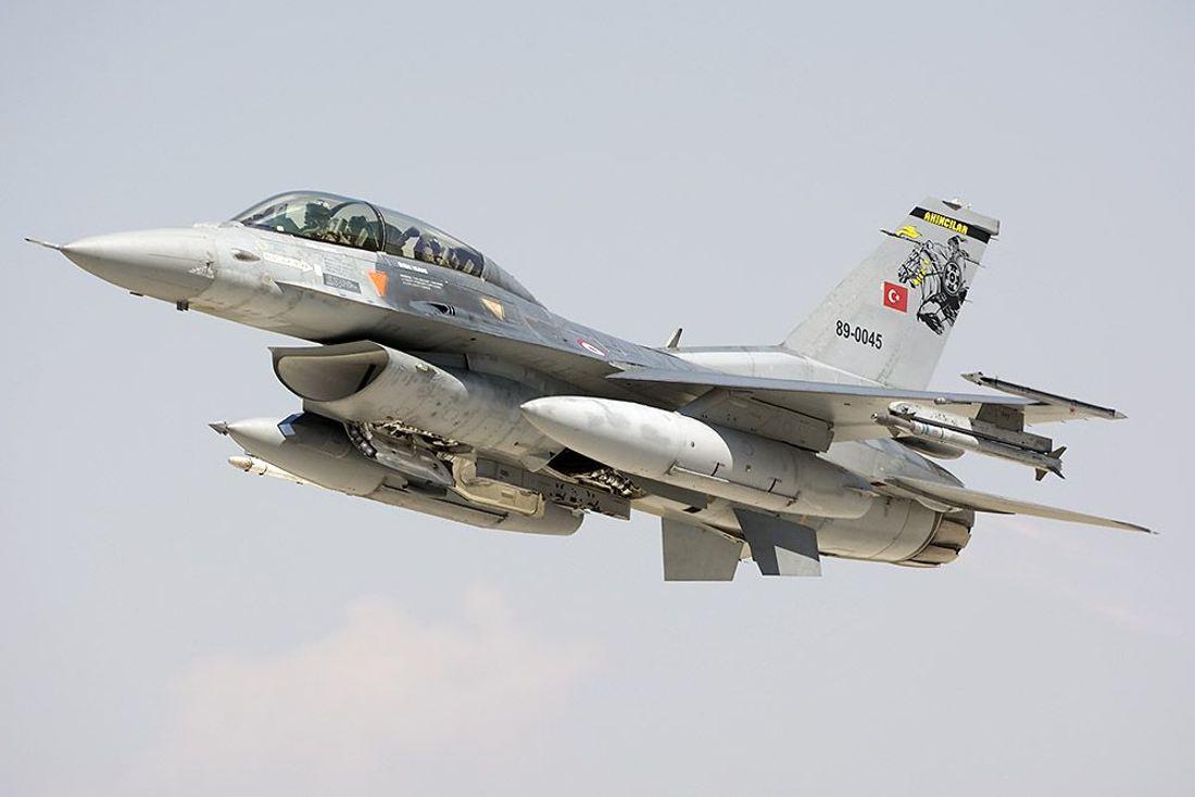 F-16 de Turquía derribó un avión de guerra SU-25 armenio