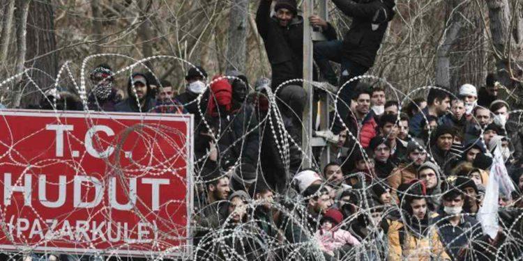 Grecia reclutará 800 guardias fronterizos después que Turquía empuja a los migrantes hacia la frontera