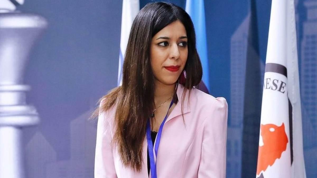 Árbitra de ajedrez iraní que abandonó su país por la hijab revela sus raíces judías