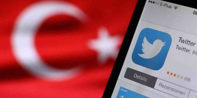 Cuentas turcas en redes sociales atacan cada vez más a Israel y EAU