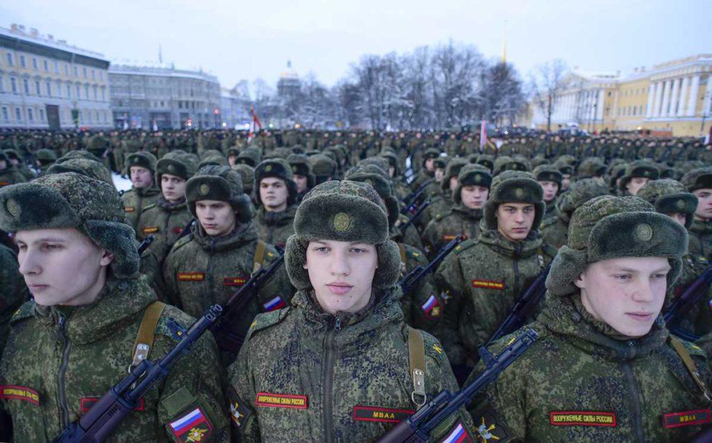 Rusia podría desplegar sus fuerzas regulares en Siria