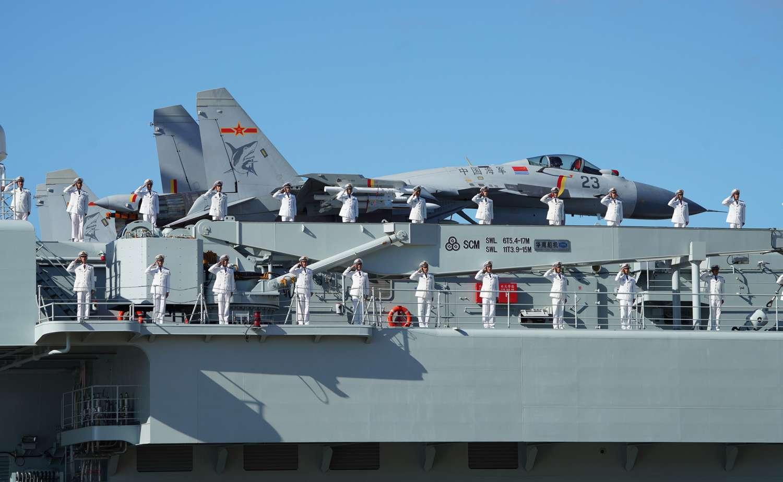 Los portaaviones de China se preparan lentamente para la guerra