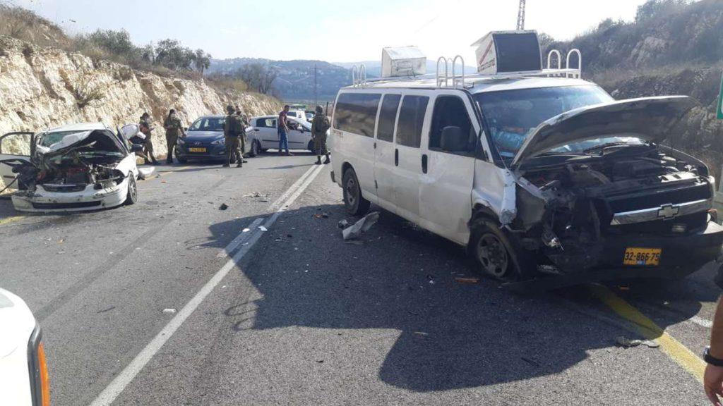 Ataque terrorista en Samaria: 4 heridos, uno grave