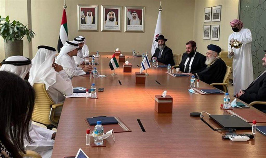 Visita histórica del gran rabino sefardí a los Emiratos Árabes Unidos