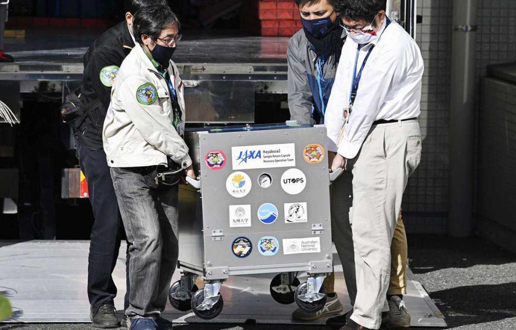 Agencia Espacial de Japón trajo abundante material de asteroide