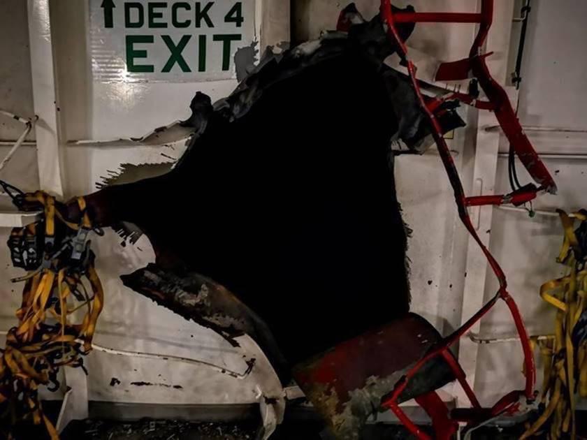 Barco de propiedad israelí alcanzado por explosión en el Golfo de Omán
