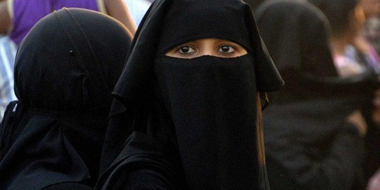 Hamas: Mujeres solo pueden salir con permiso de un tutor