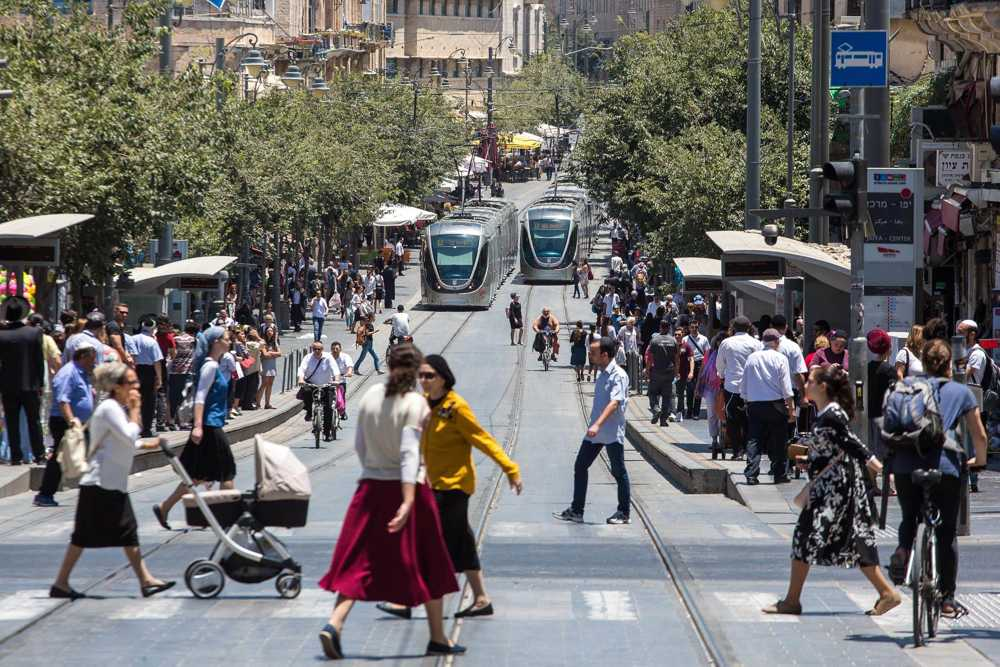 Desde el domingo las mascarillas no serán obligatorias al aire libre en Israel
