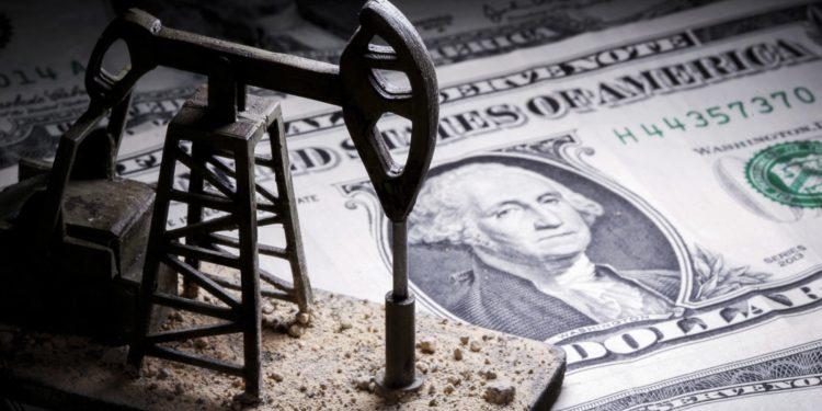 Los precios del petróleo suben ante signos de escasez de suministros