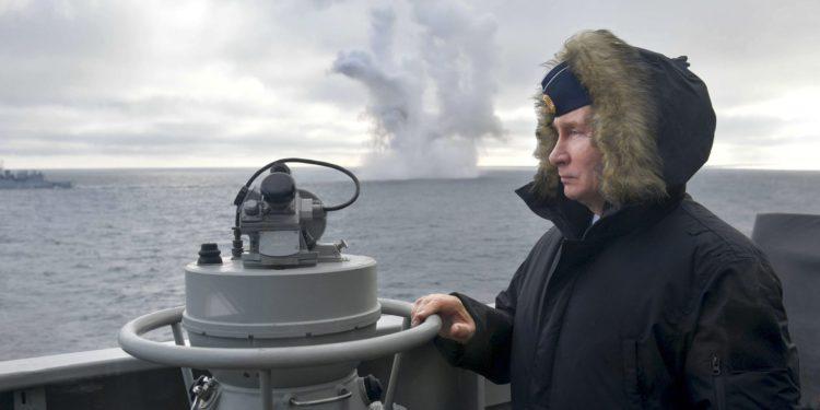 """Rusia: El Mar Negro se está convirtiendo en una zona de """"peligroso enfrentamiento militar"""""""