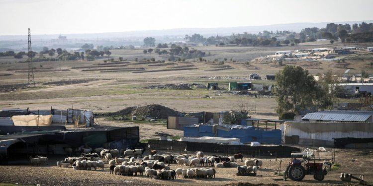 Regavim: los acuerdos de la coalición abandonan el Negev