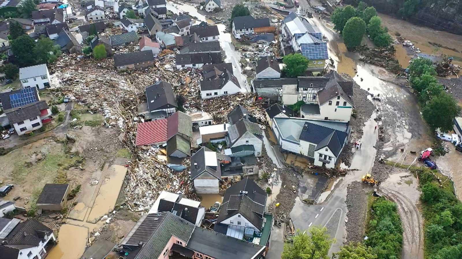 Inundaciones en Alemania dejan al menos 33 muertos y 70 desaparecidos