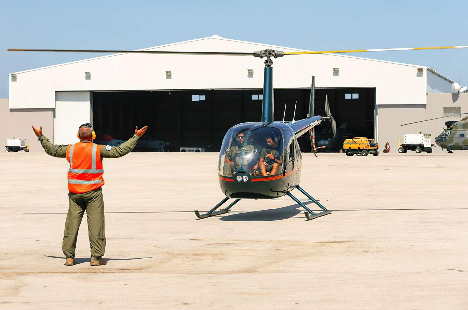 El ejército libanés vende viajes en helicóptero debido a la crisis económica