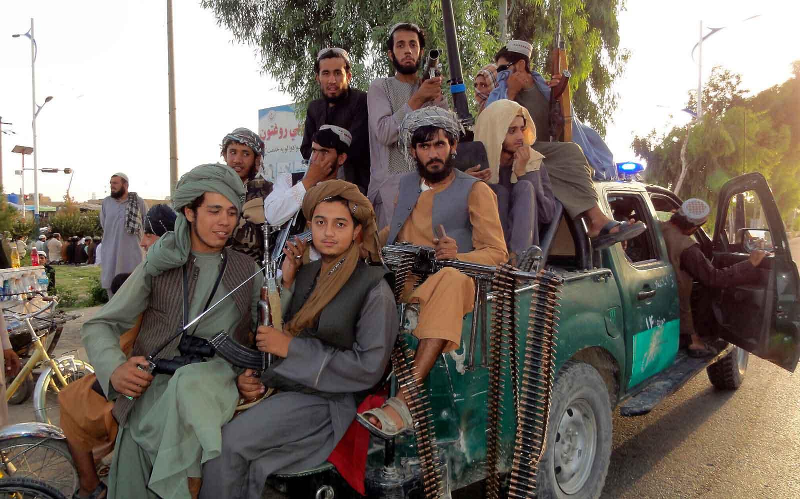 Los afganos temen volver a un brutal régimen islámico bajo el control talibán