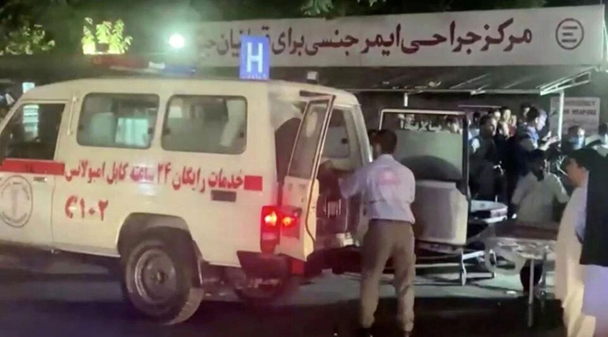 Estado Islámico se atribuye el mortal ataque al aeropuerto de Kabul