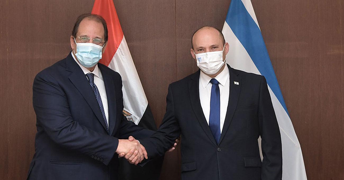 Bennett y el jefe de inteligencia egipcio se reúnen para hablar del alto el fuego con Hamás