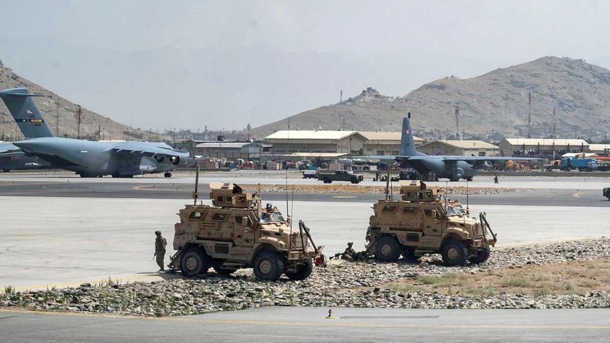 Los talibanes se apoderaron de un arsenal de guerra que rivaliza con el de un ejército