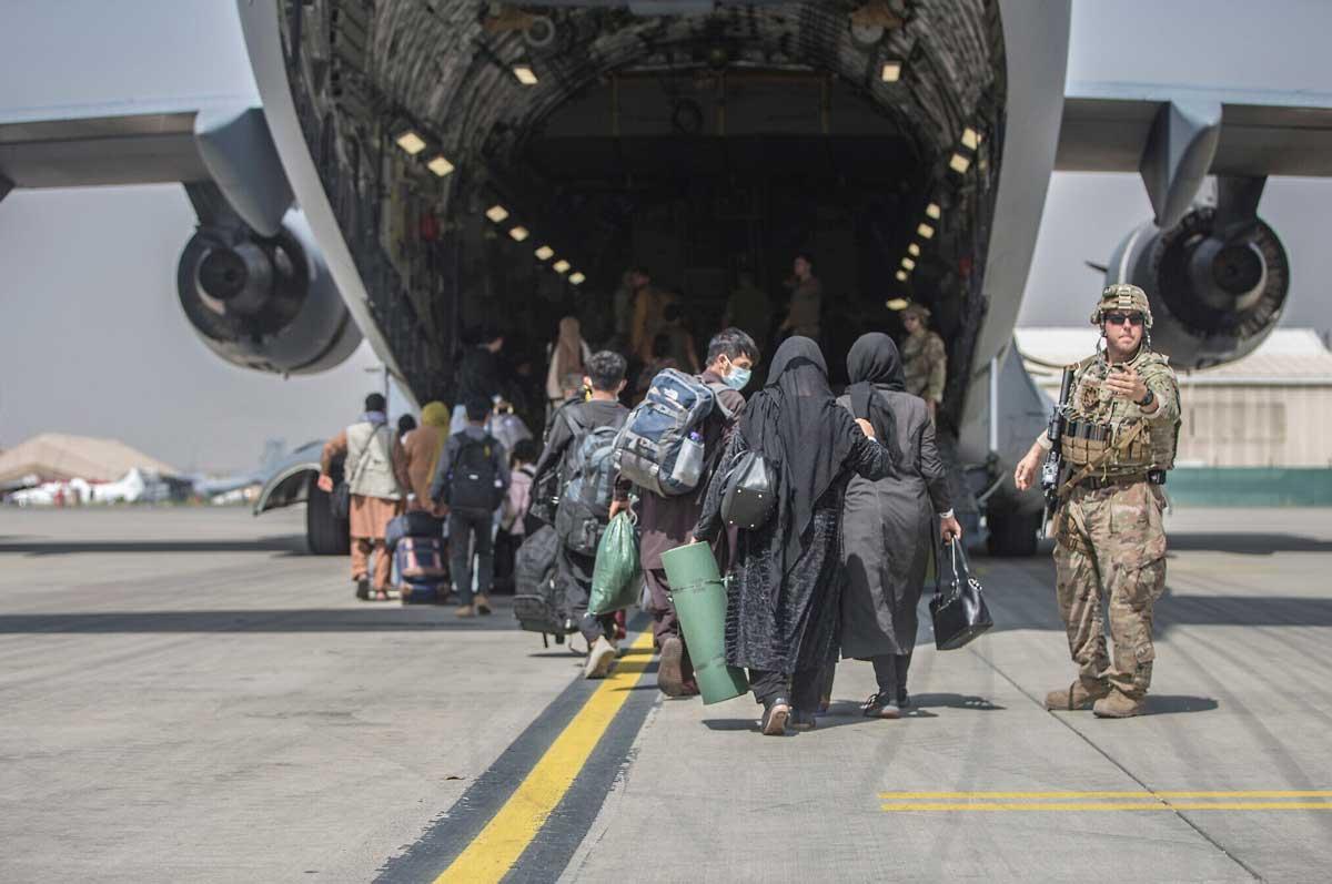 Amenaza terrorista del ISIS en el aeropuerto de Kabul: Peligran las evacuaciones