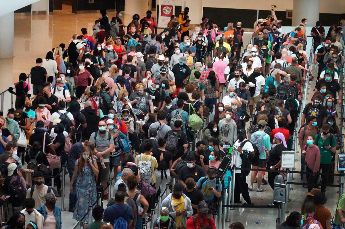 """Evacuaciones y miedo: El """"extremadamente peligroso"""" huracán Ida se acerca a Nueva Orleans"""