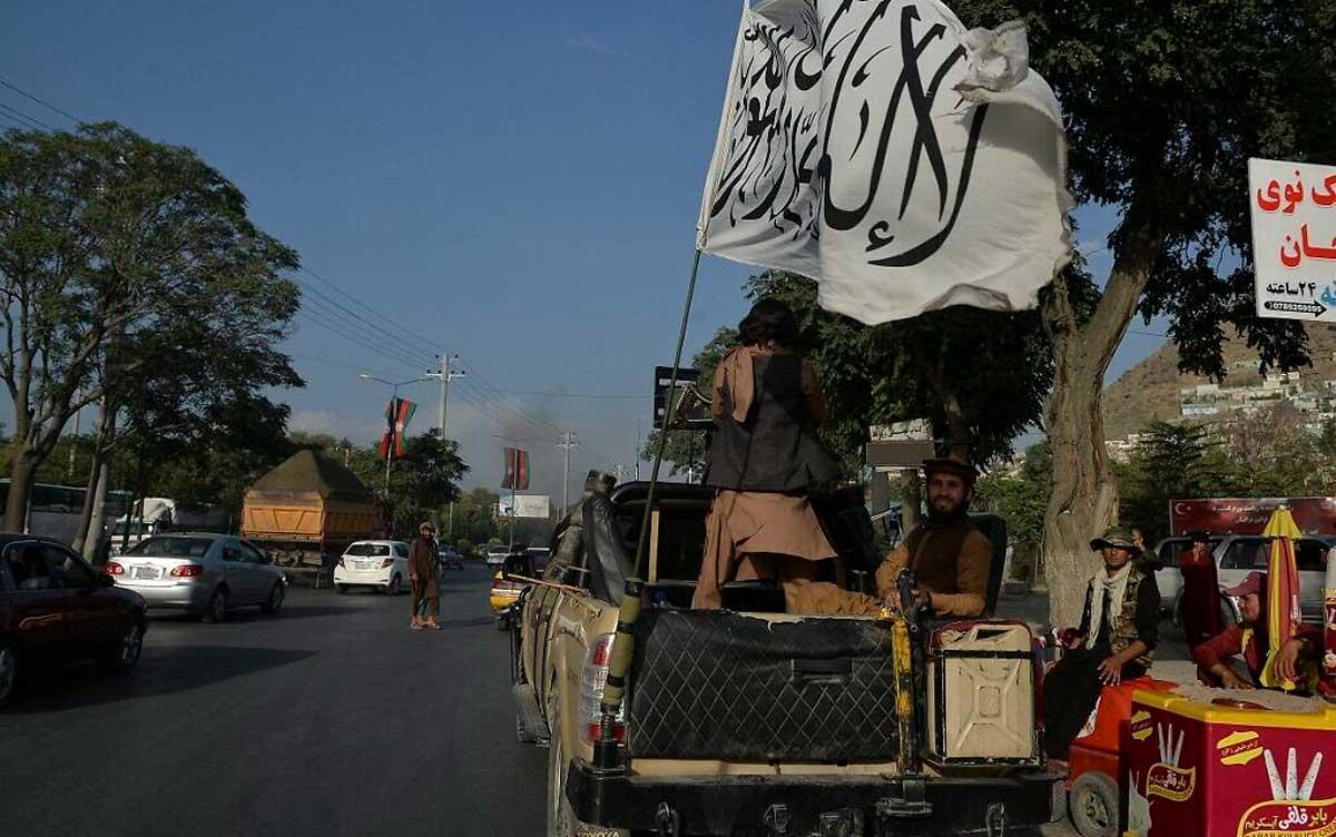 """Los talibanes amenazan con """"consecuencias"""" si EE.UU. y sus aliados se quedan más allá del plazo de retirada"""