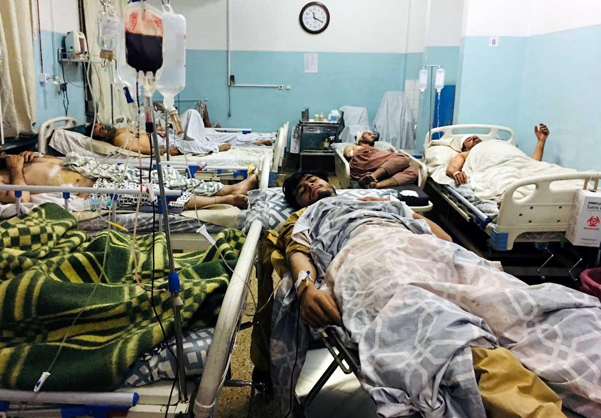 Kabul: El número de muertos en el atentado en el aeropuerto se eleva a 108