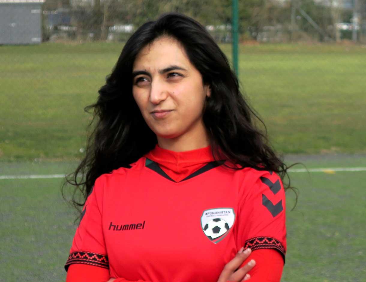 Esta foto de archivo del 8 de marzo de 2016 muestra a Khalida Popal, ex capitana del equipo nacional femenino de Afganistán, en Copenhague. (AP/Jan M. Olsen, Archivo)