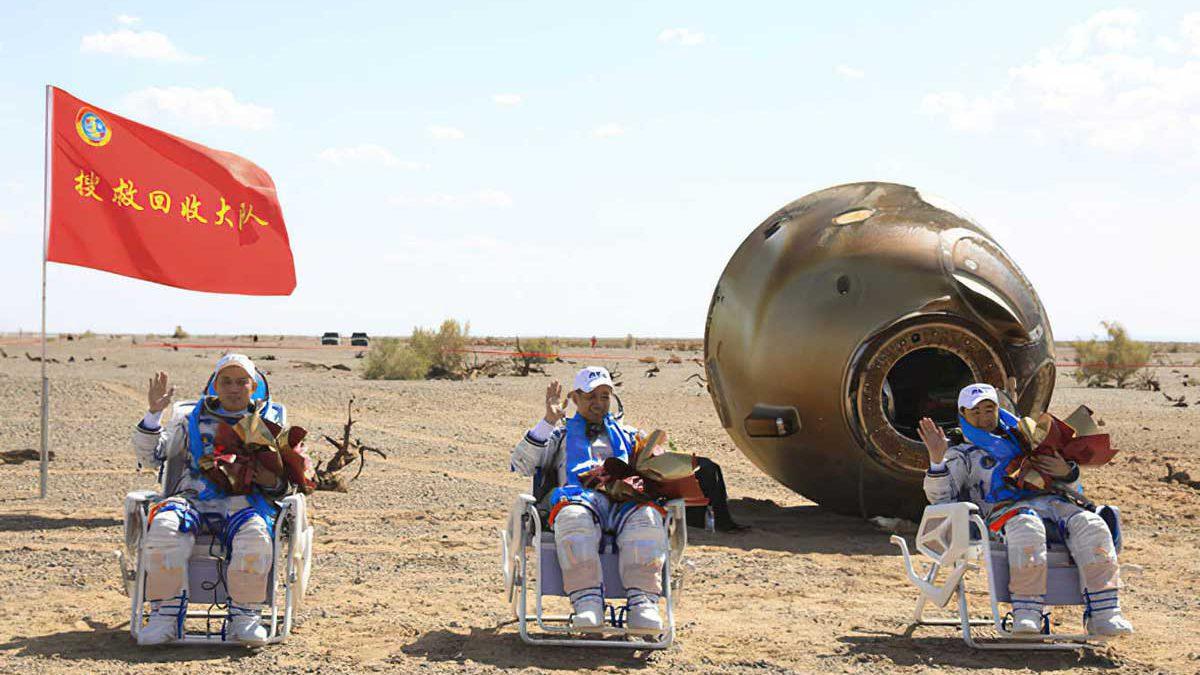 Astronautas chinos regresan tras una misión espacial récord de 90 días