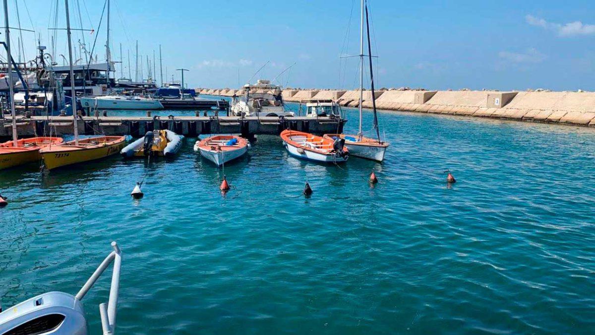 Hallan misil bajo el agua cerca del puerto de Jaffa