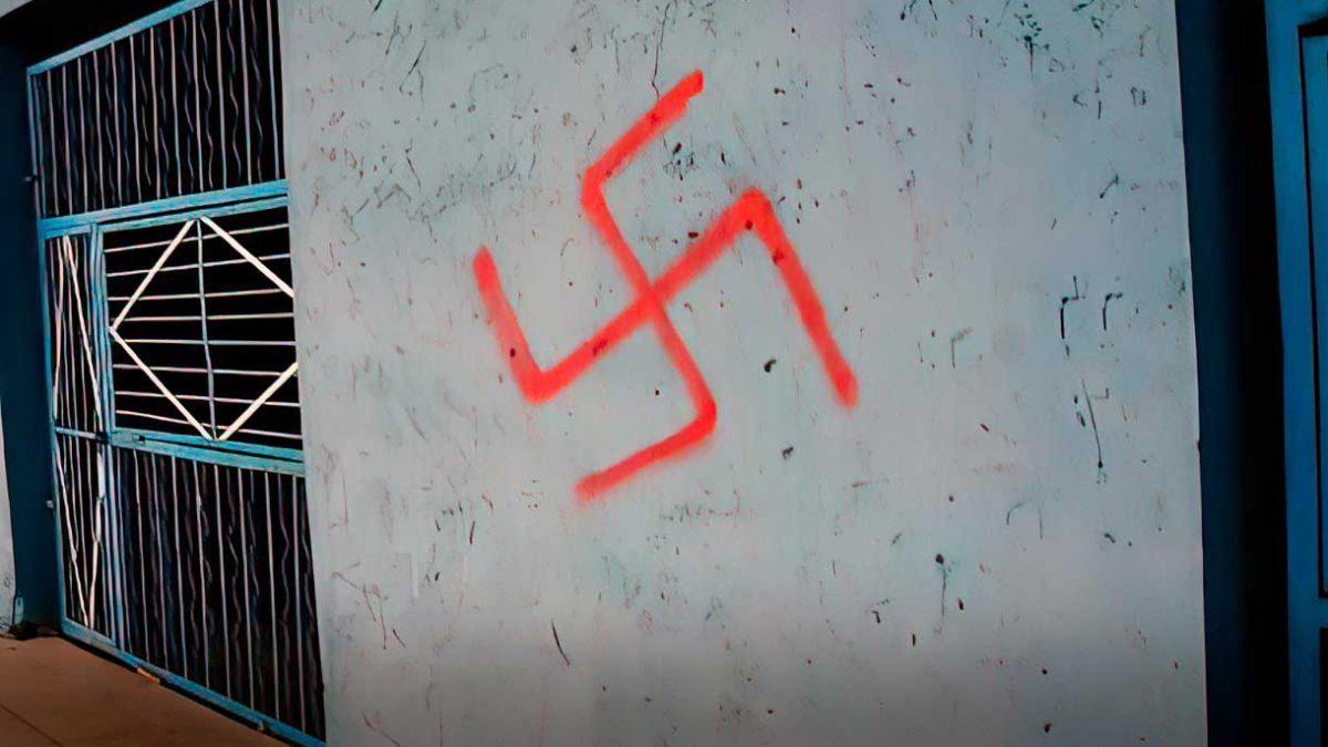 Escuela de Nueva Jersey pintada con grafitis antisemitas en vísperas de Yom Kipur