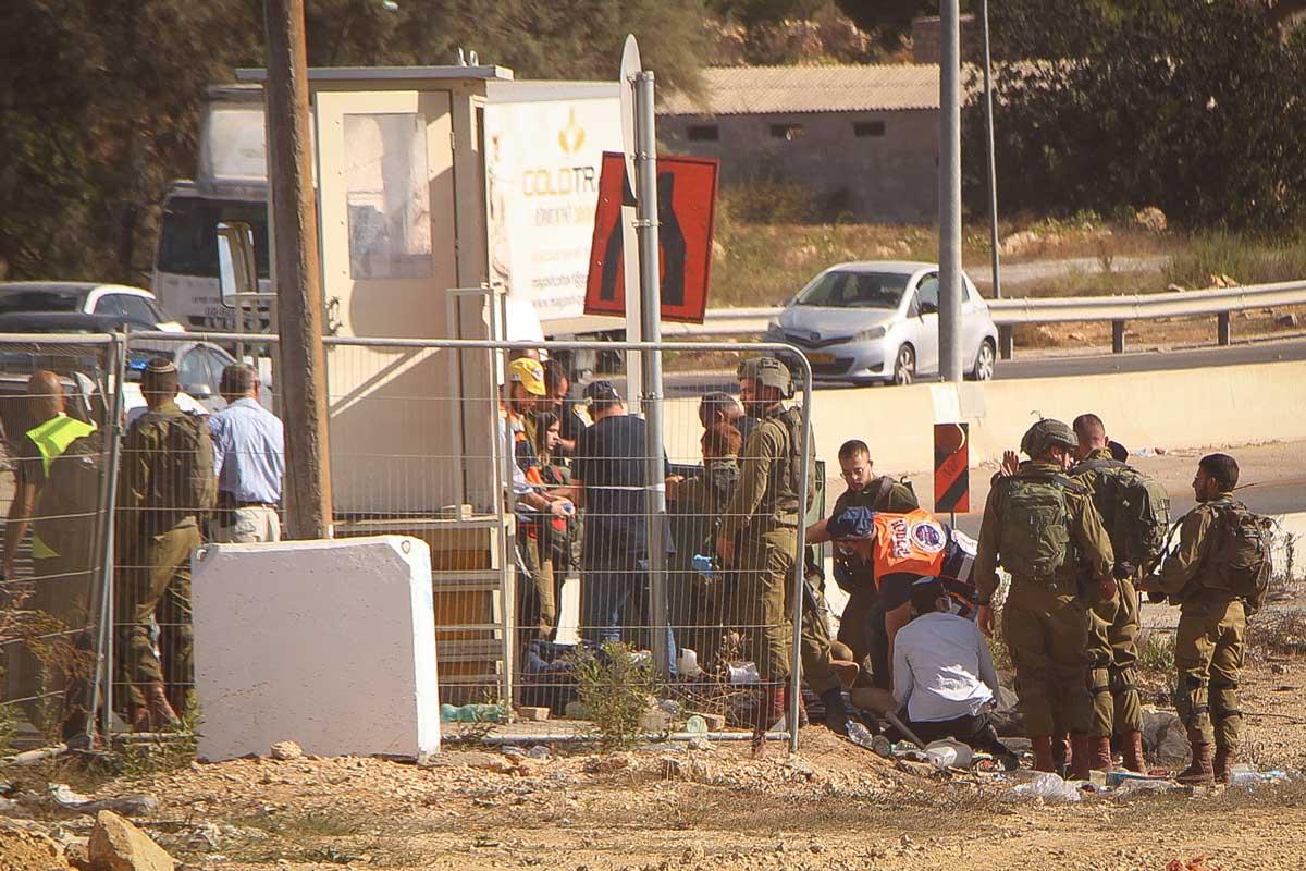 Terrorista árabe intentó apuñalar a soldado de las FDI en el cruce de Gush Etzion