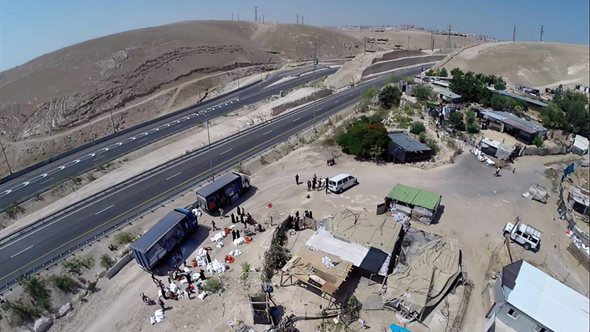 El Tribunal Supremo concede al Gobierno un plazo adicional para la evacuación del puesto de avanzada árabe ilegal