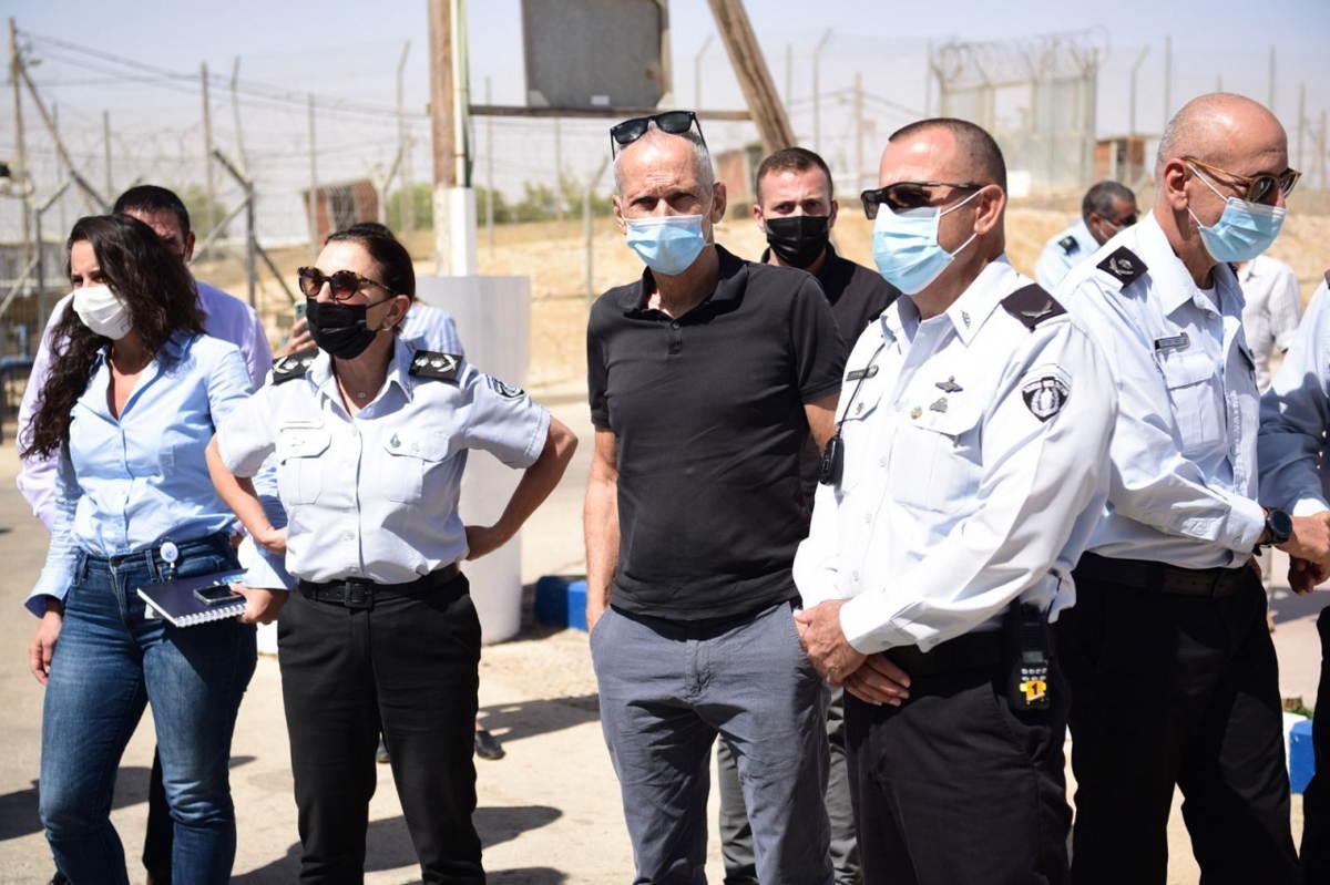 El ministro de Seguridad israelí busca formar una comisión para investigar la fuga de presos
