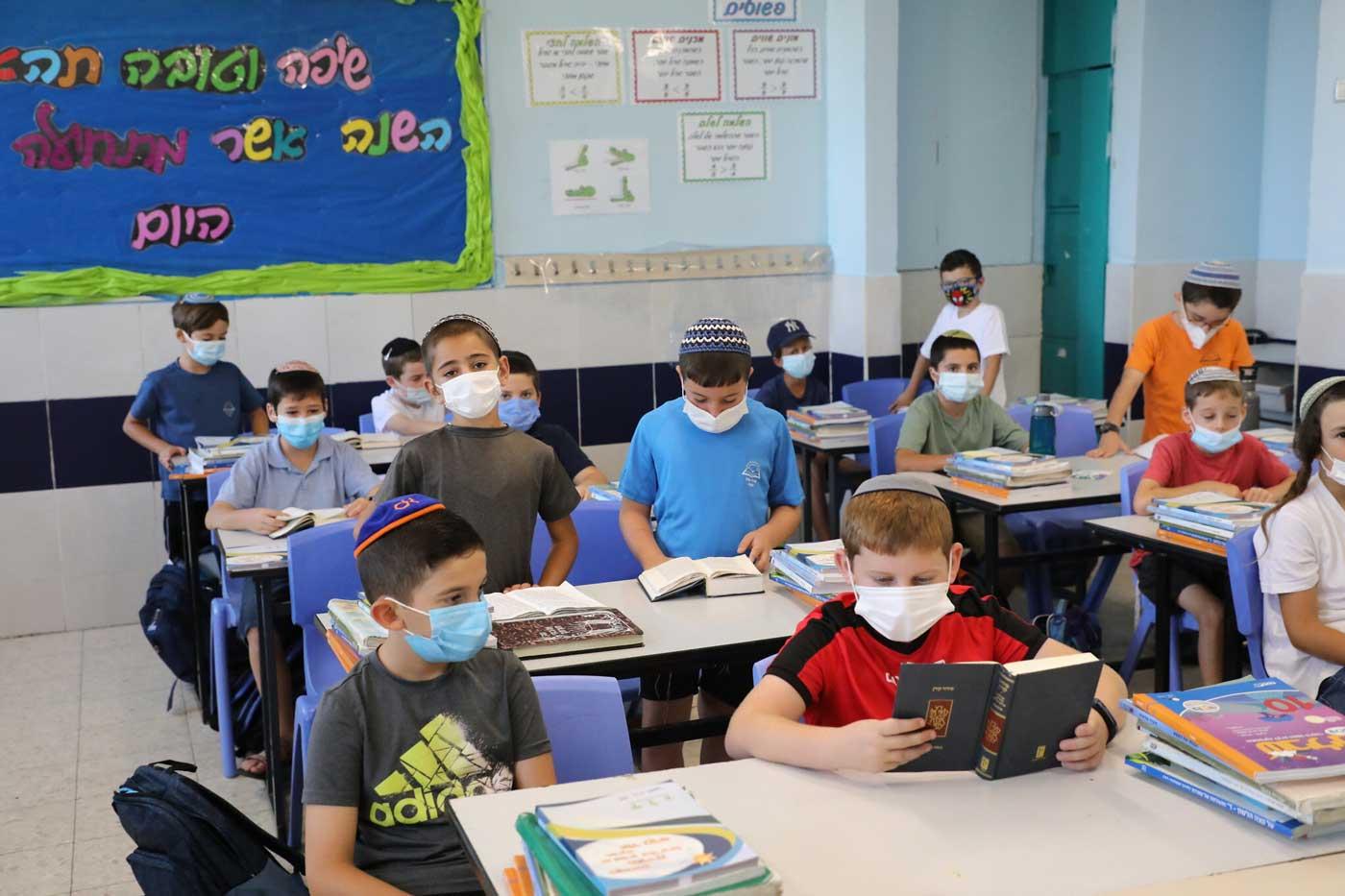 Covid-19 en Israel: Casi 8.000 nuevos casos a medida que se estabiliza la tasa de infección