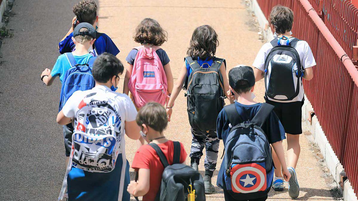 Casi 100.000 escolares israelíes en cuarentena al reanudarse las clases