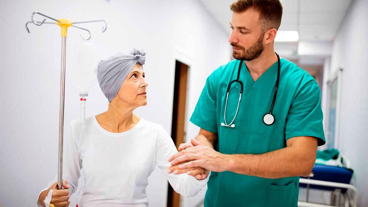 """AstraZeneca anuncia resultados """"innovadores"""" en nuevo ensayo de medicamento contra el cáncer de mama"""