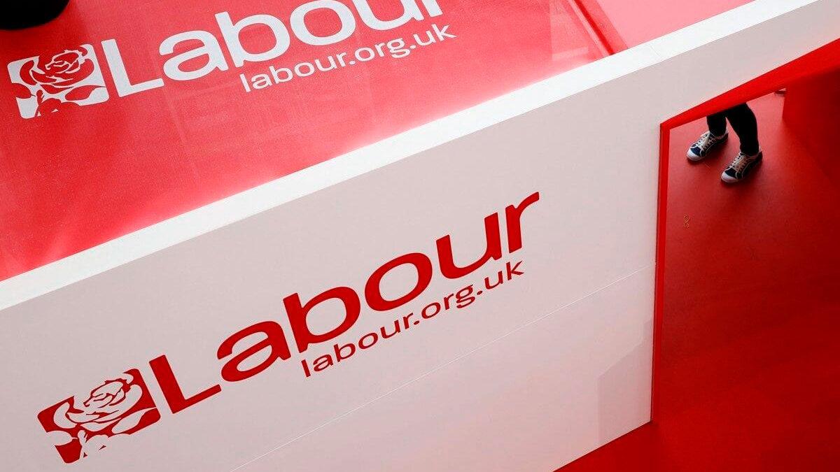 """Partido Laborista británico aprueba moción que define a Israel como un """"Estado de apartheid"""""""