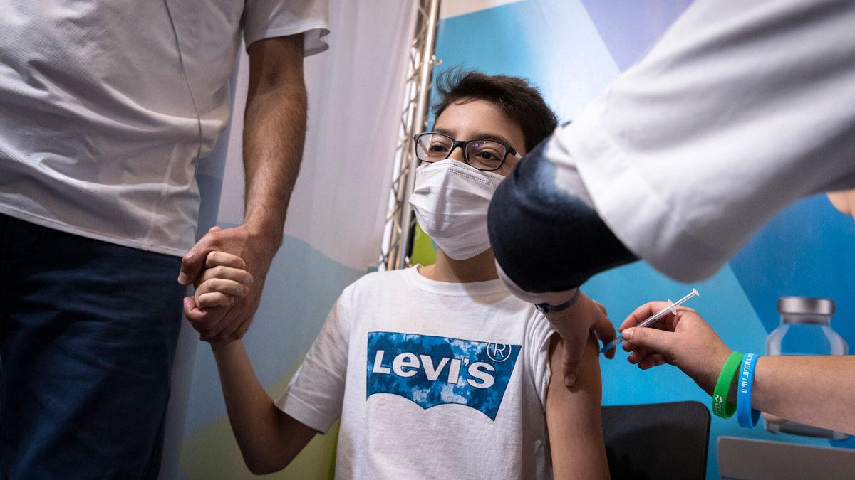 Vacuna de Pfizer previene el 93% la hospitalización de adolescentes