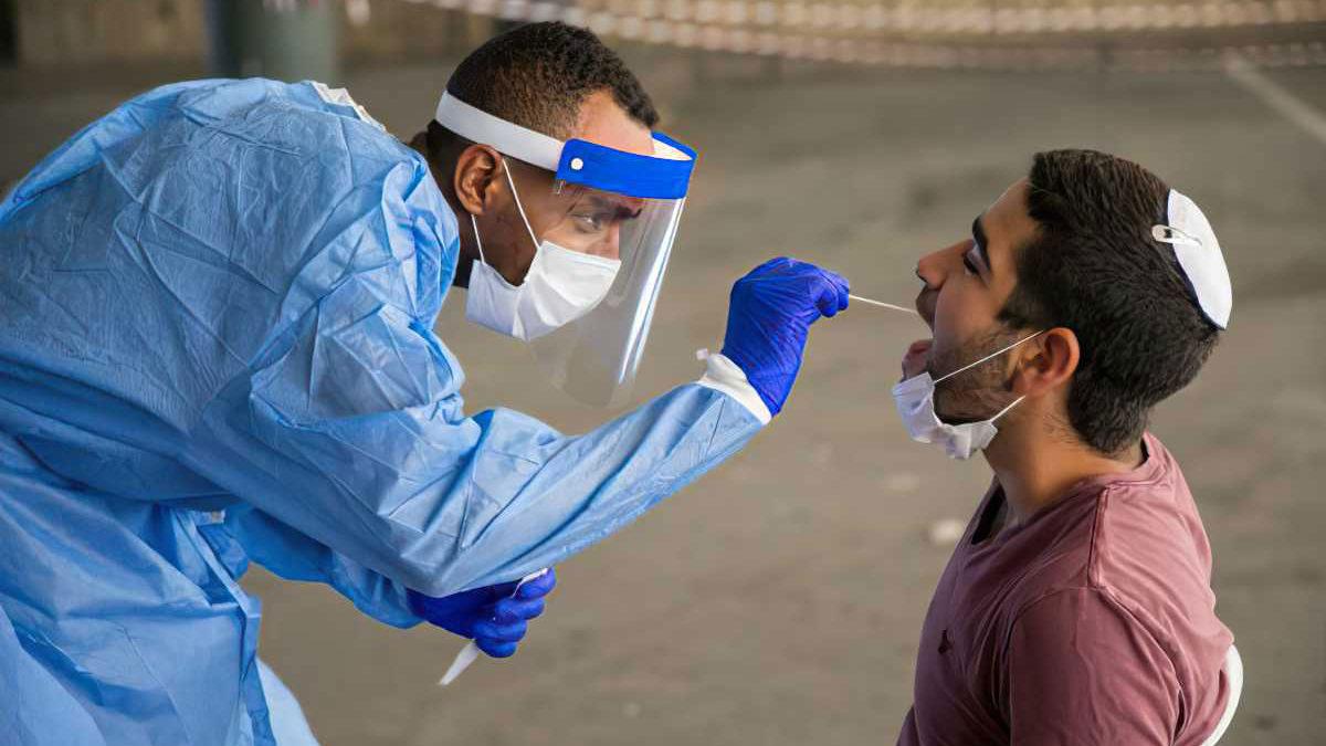 Israel se prepara para un aumento de la morbilidad por COVID tras Sucot