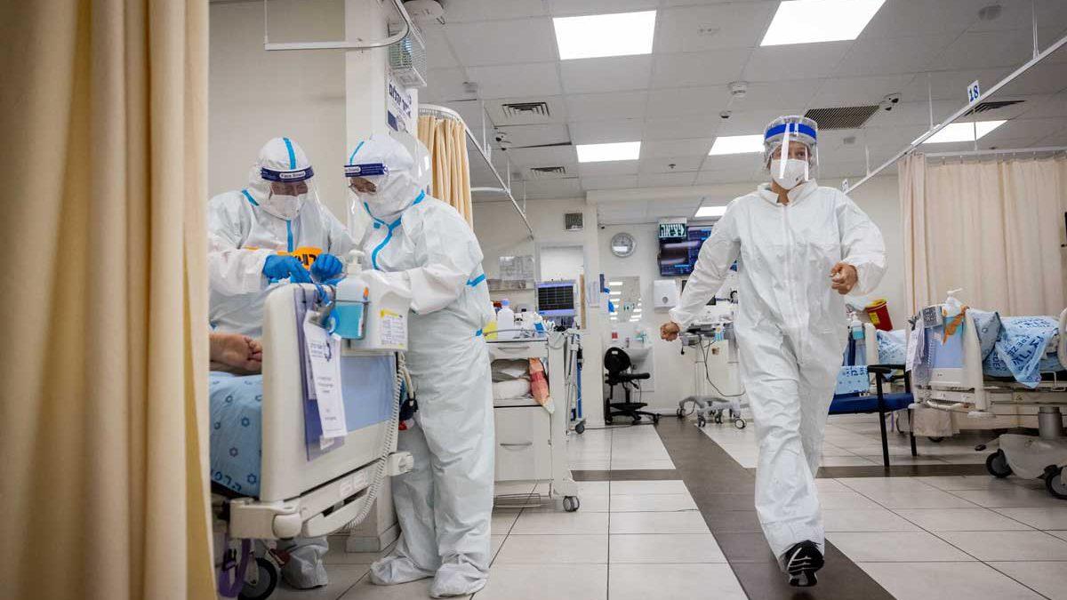 Casos graves de COVID en Israel descienden por debajo de 600 por primera vez desde mediados de agosto