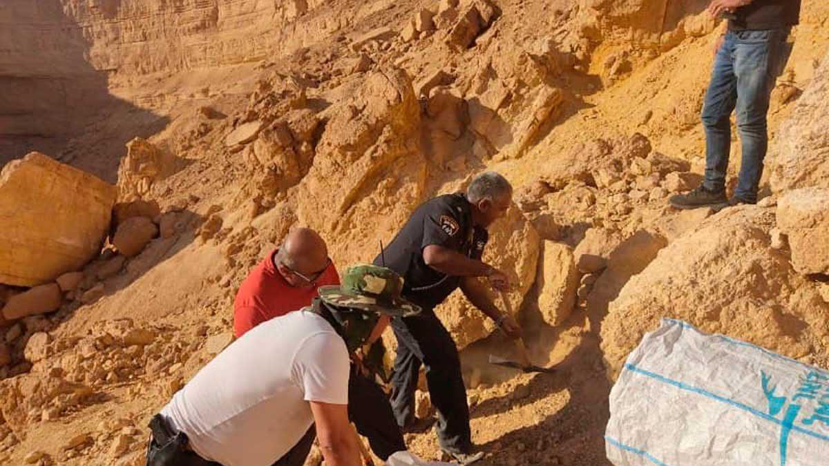 Excursionistas encuentran restos humanos en el desierto de Negev