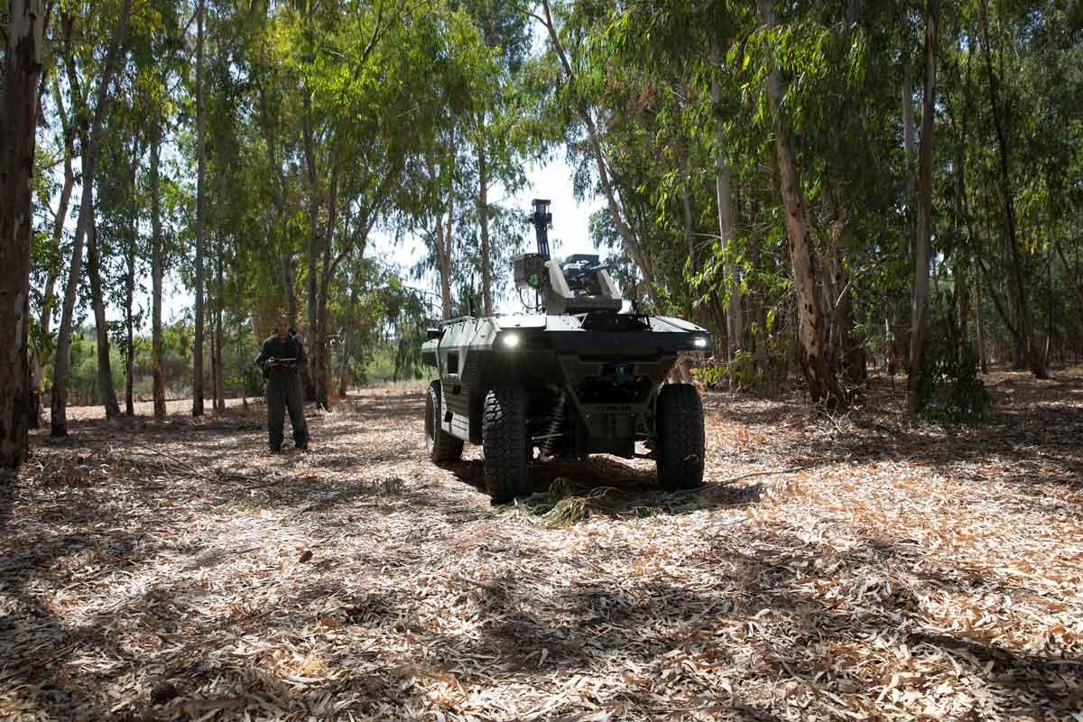 IAI presenta un robot de combate autónomo para patrullar zonas de combate