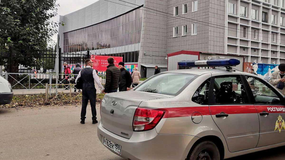 Al menos 8 muertos en un tiroteo masivo en una universidad de Rusia