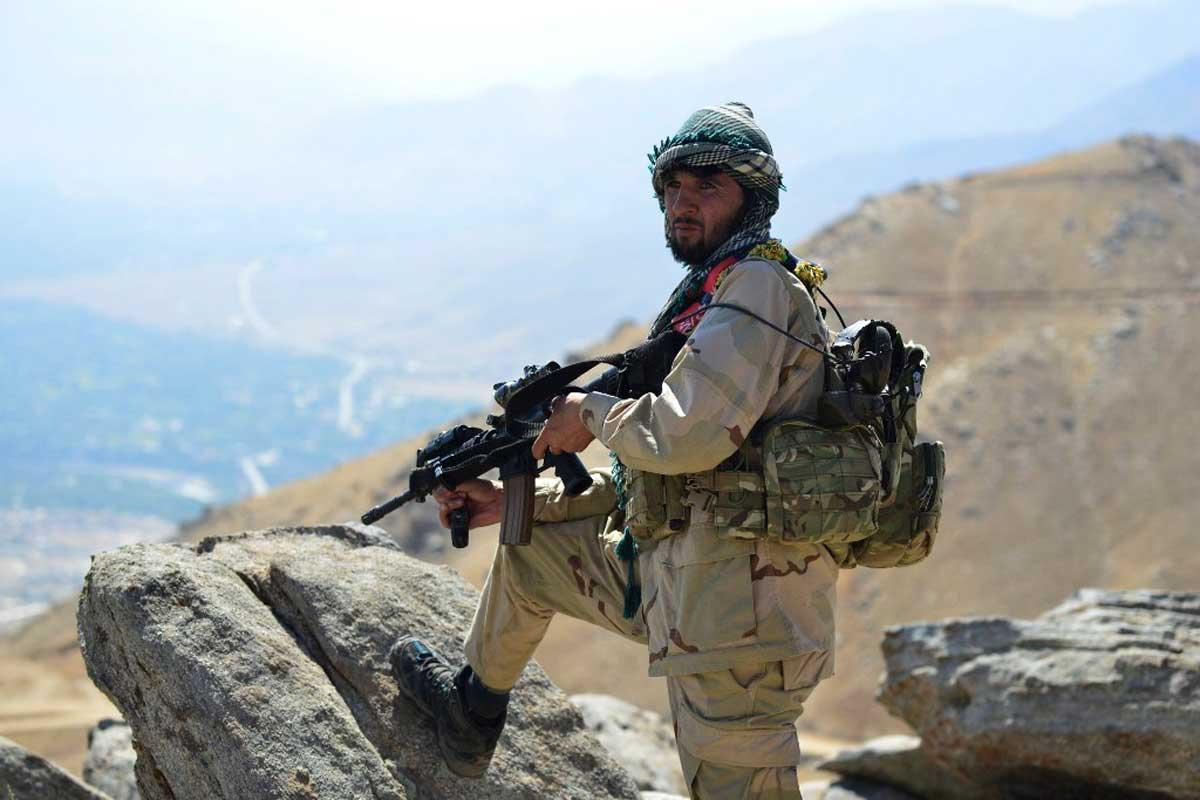 """Afganistán se enfrenta a una """"guerra civil más amplia"""" bajo el control talibán"""