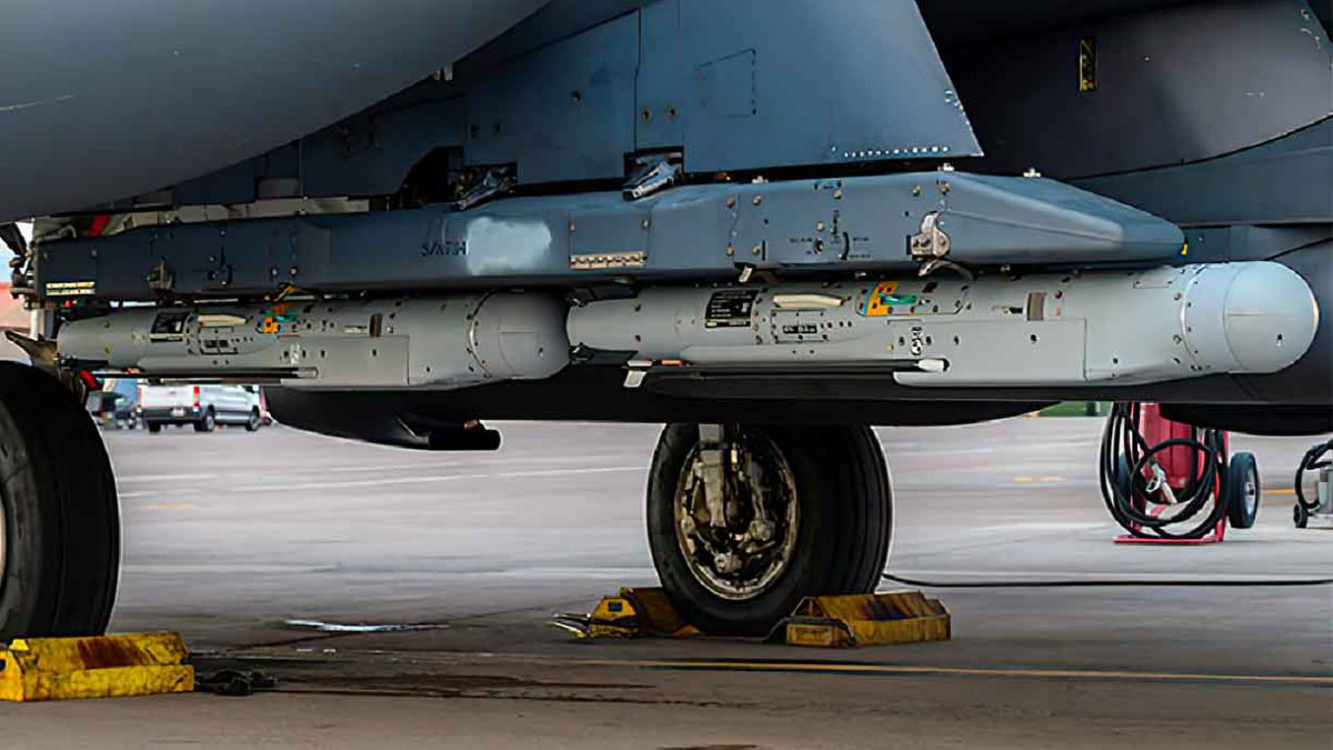Los F-15E de la Fuerza Aérea estadounidense lanzan 10 StormBreaker durante programa de evaluación del sistema de armas