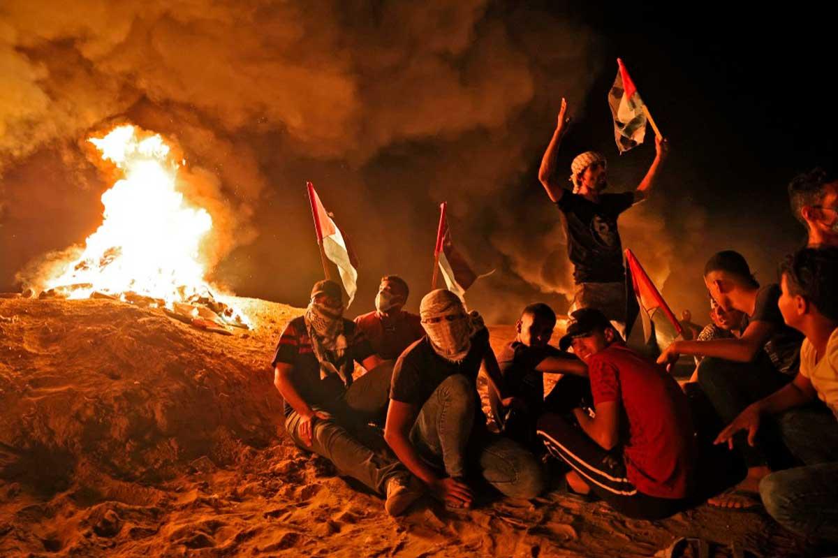 Globos incendiarios lazados desde Gaza provocan 3 incendios en el sur de Israel