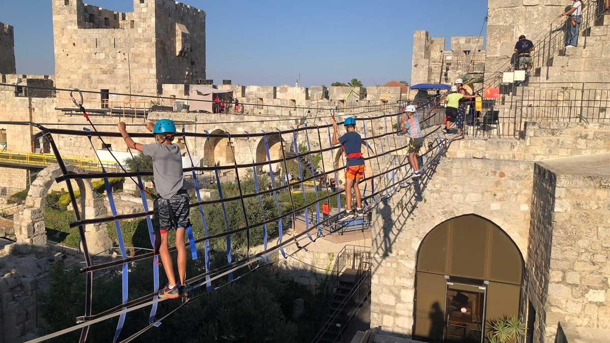 Hombre herido de gravedad tras caer de la Torre de David en Jerusalén